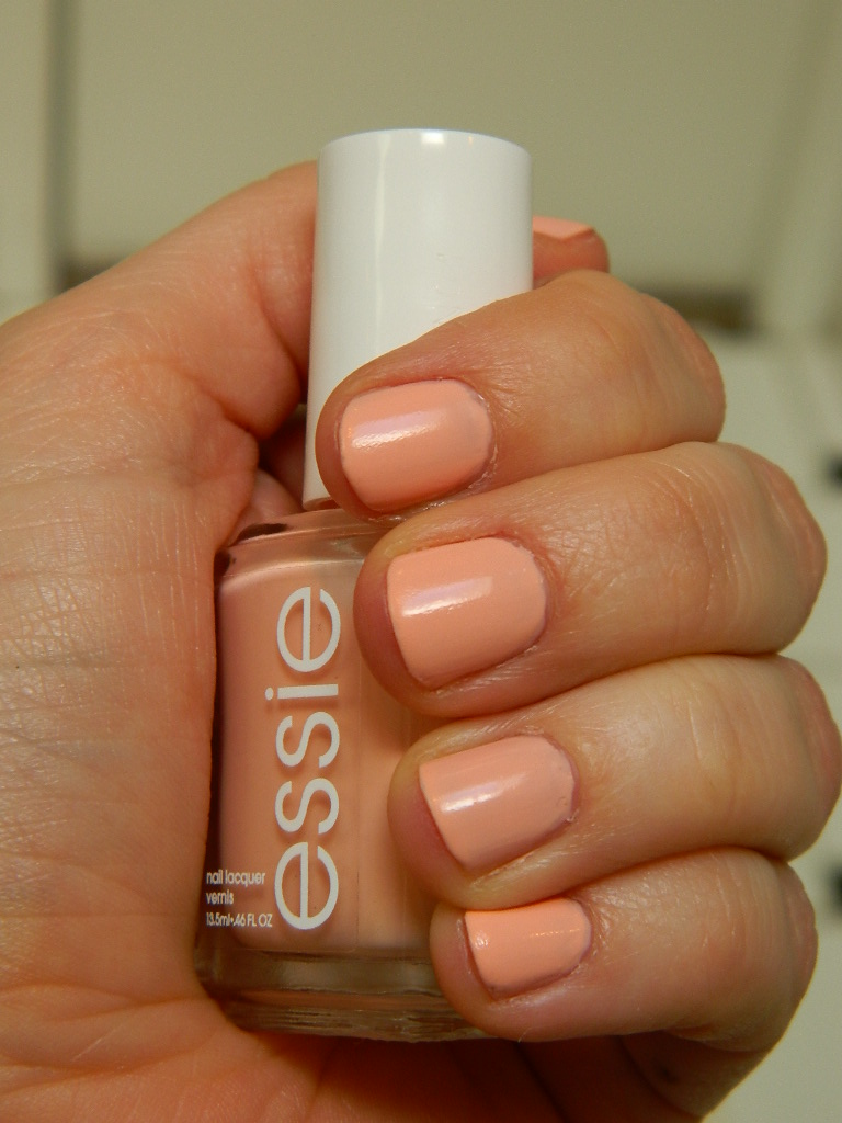Essie — A Crewed Interest & Luxeffects | Polishment A Crewed Interest Essie