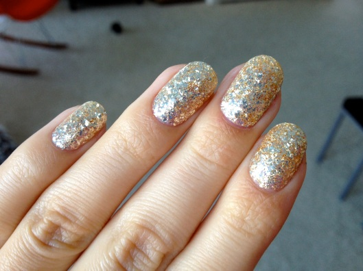 Gold Glitter Gelicure_Pampered Hands_3